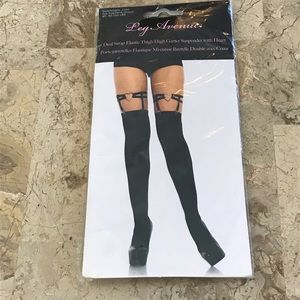 Heart shaped garters by leg Avenue